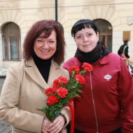 Marta Semelová, předsedkyně KV Praha a Petra Prokšanová, předsedkyně Komise mládeže KSČM